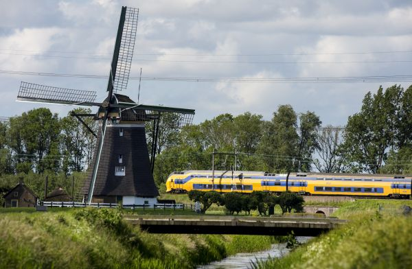 Dutch trains now run entirely on wind energy. The wind powers 5,500 trips per day, enabling 600,000 daily train passengers to commute without any emissions. Over the course of an hour, a single windmill can power a train for 120 miles.