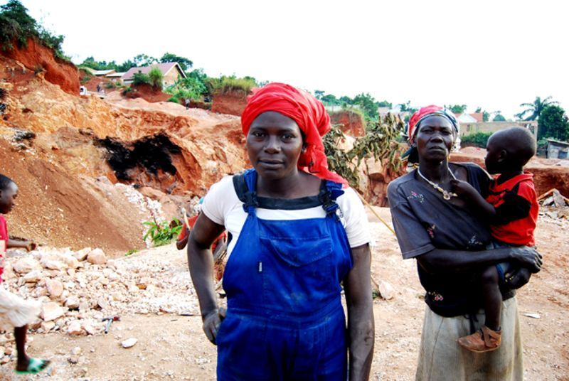 In 2005, a group of women from Kampala, Uganda who make their 1.20 USD per day by breaking rocks into gravel, sent an impressive 900 USD to help the victims of Hurricane Katrina.