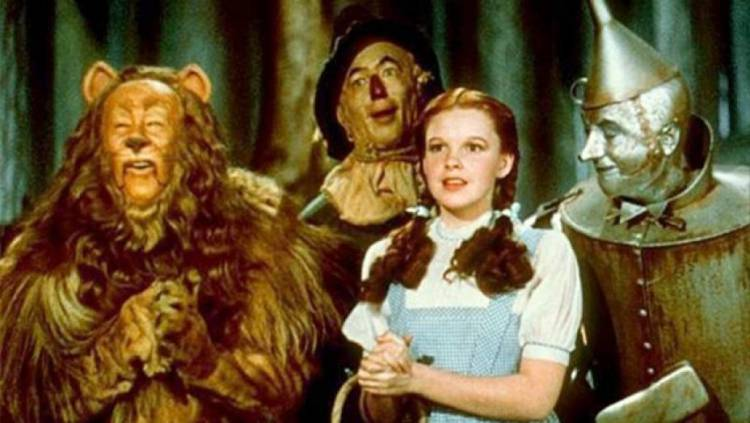 The body of the Cowardly Lion costume used in the Wizard of Oz is made of real lion skin and fur, and the mane is made of human hair.