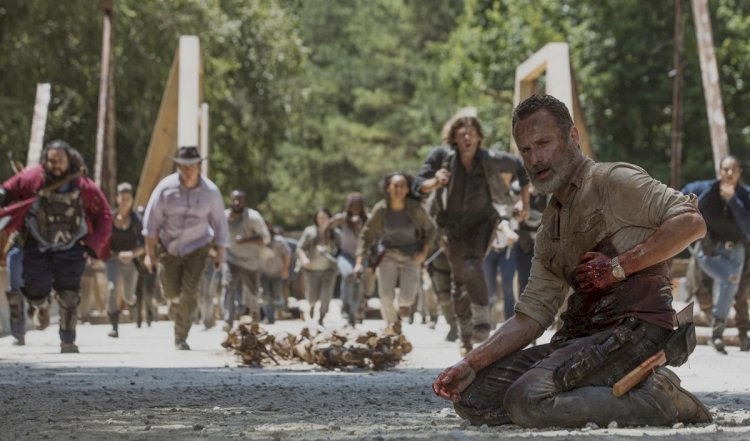 The Walking Dead cast and crew holds 'death dinners' for any characters who get killed off the show.