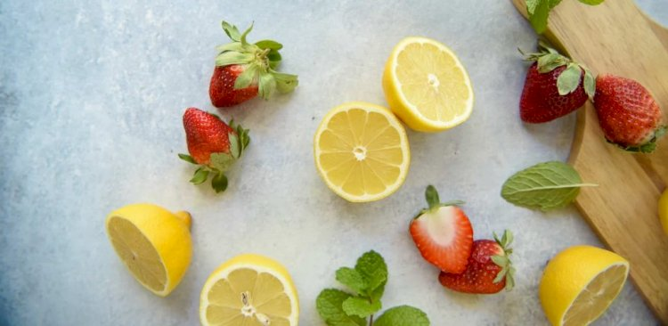 For the same mass, lemons contain more sugar than strawberries.